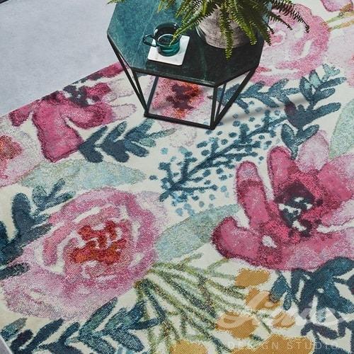 kusový koberec s malovanými květy