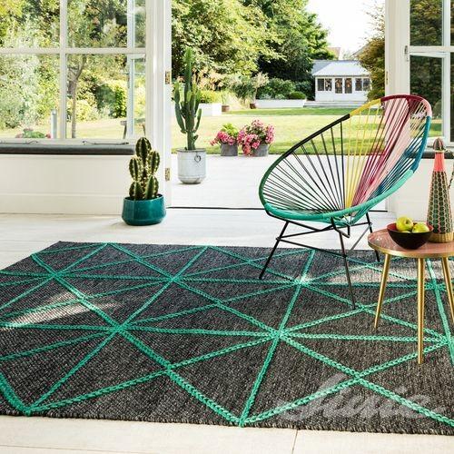 designový koberec s geometrickým zeleným vzorem