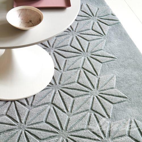 luxusní šedý koberec s plastickým vzorem