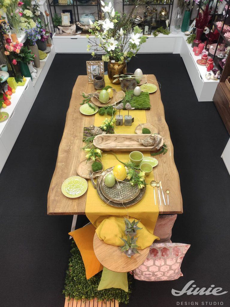 Velikonoční stůl jarní dekorace