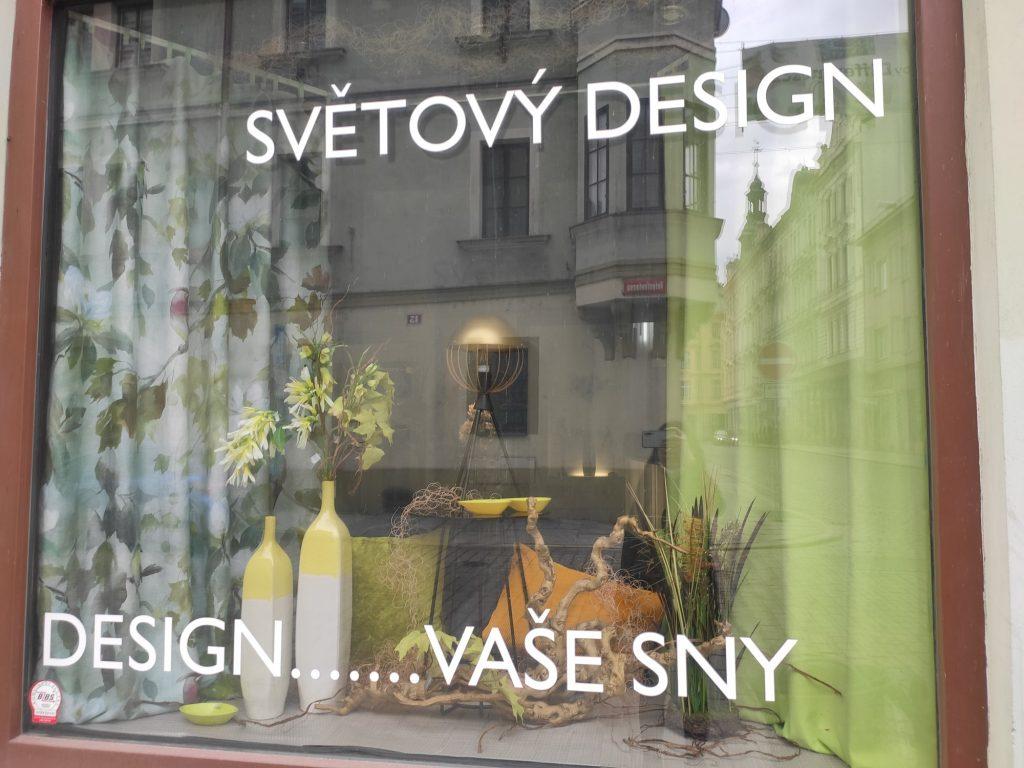 Dekorace výlohy design obchodu