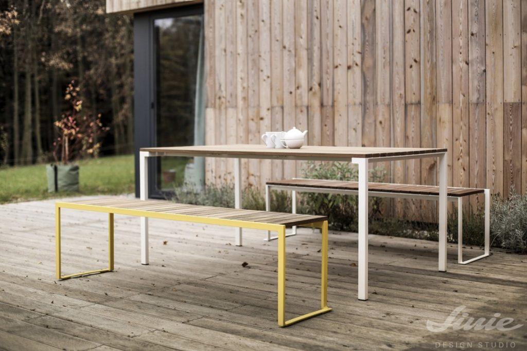 minimalistický jídelní set zahradní na terasu