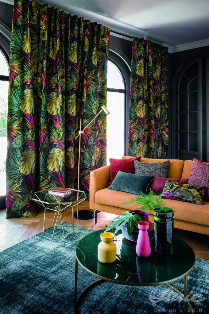 extravagantní vzorované závěsy do bytu casamance jardinneroli