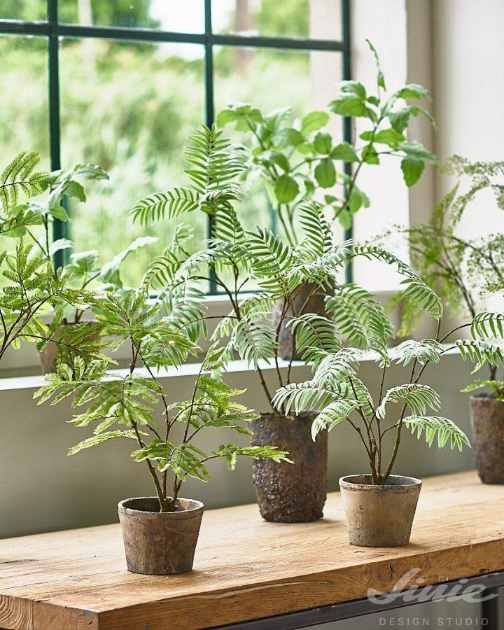 umělé zelené rostliny v květináči silk-ka