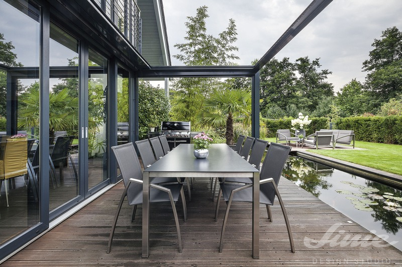 venkovní jídelní set stůl a židle na terasu