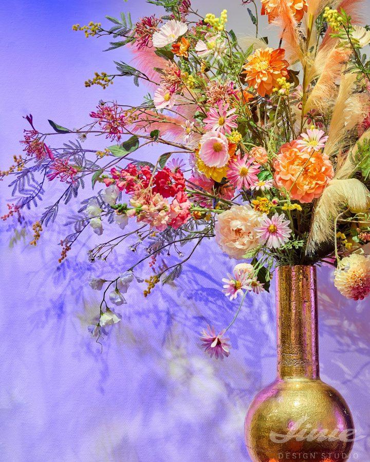 Luxusní vázy a umělé květinové dekorace silk-ka
